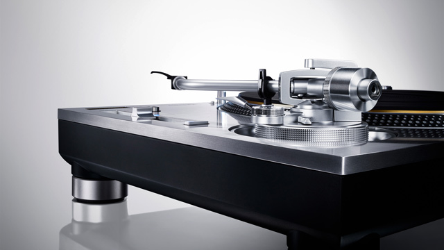 Technics SL-1200 DJ Turntables Are Back!